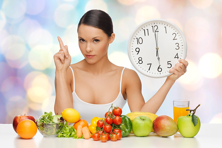 I've gotta tell you about these easy, no-exercise weight loss tips to burn fat! Make these simple changes to your diet and lifestyle to slim down and get that beach-bod for summer without setting a foot in the gym!